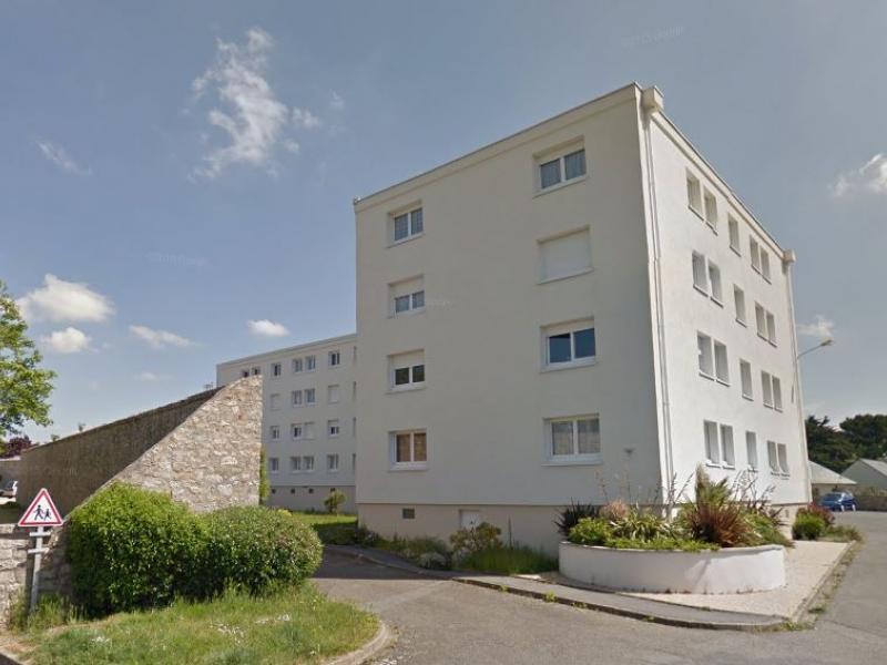 Port-Louis - Résidence AVENUE DE KERZO - T 5 - 435,57€/mois (43-3-15)