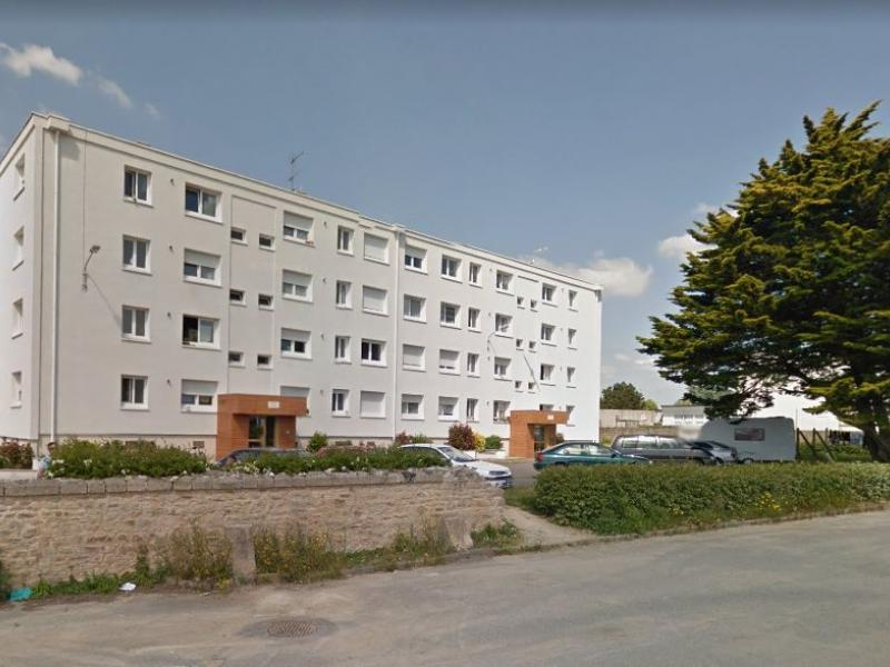 Port-Louis - Résidence AVENUE DE KERZO - T 4 - 417,82€/mois (43-3-12)