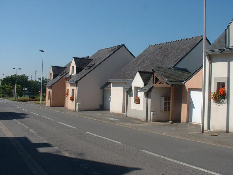 Plumergat - Résidence RUE DES FRERES BULEON - T 3 - 447,9€/mois (445-90-9)