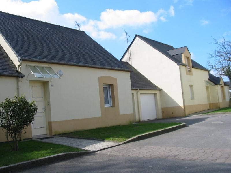 Guégon - Résidence 4 RUE DES ROSIERS - T 5 - 463,69€/mois (573-1-3)